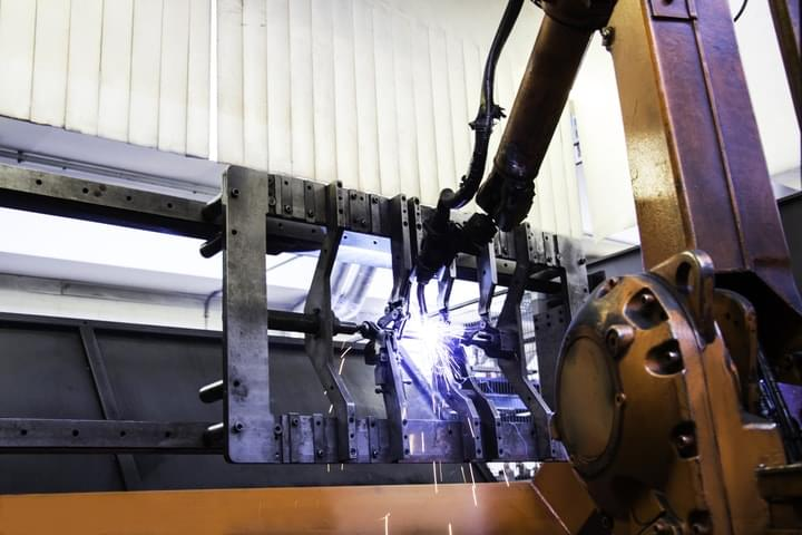 Robot per la saldatura delle lamiere