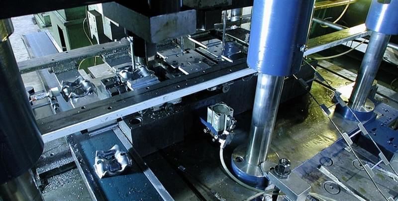 stampaggio-metalli-a-freddo-cover